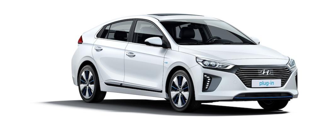 hyundai ioniq plug in hybrid phev speed magazine. Black Bedroom Furniture Sets. Home Design Ideas